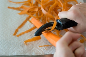 peel the carrot